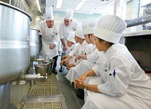 staff-training-kitchen-300