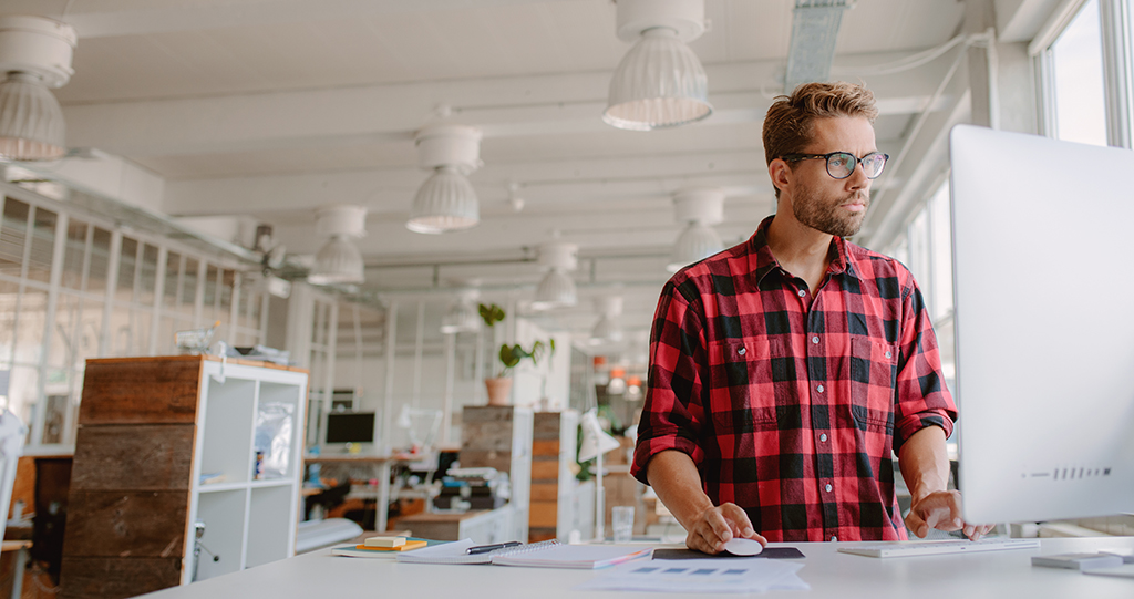 4 Ways to Stay Fit at Your Desk